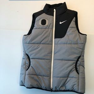 NWOT Oregon Ducks vest.